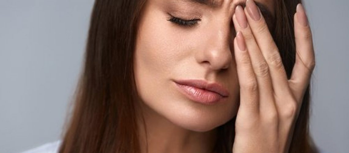 Eye Twitches and Spasms and How to Stop Them - Insight Eyecare